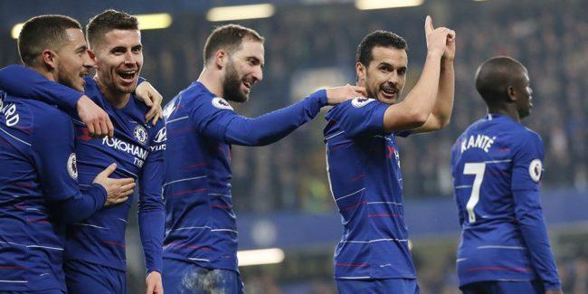 Maurizio Sarri dengan tegas membantah tudingan bahwa ruang ganti Chelsea tidak lagi tertib, justru sebaliknya, dirinya melihat para pemain saat ini masih menunjukkan rasa hormat pada dirinya.